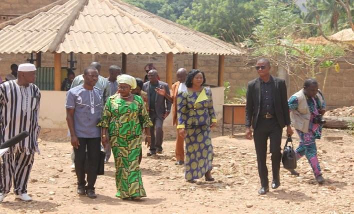 C'est le message rassurant qu'est venue porter Bintou Chabi Adam Taro, la ministre des Affaires sociales et de la Microfinance, aux pensionnaires des centres de promotion sociale et autres centres d'accueil d'orphelins et de handicapés lors de sa tournée dans les départements de l'Atacora et de la Donga, les 09 et 10 mars 2018. / Photo : Agence Bénin Presse