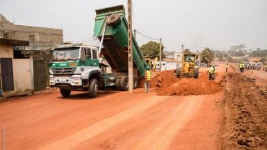 Photo of Les travaux d'urgence d'entretien des routes revêtues lancés avec SOGEA SATOM, ADEOTI SARL et COLAS-BENIN