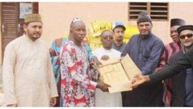 Photo of La Jama'at islamique Ahmadiyya fait un don de vivres et médicaments aux populations de Dogbo, suite aux inondations