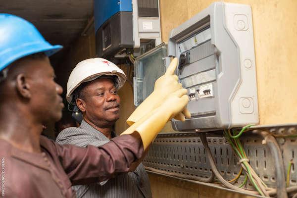 electrification-rurale-:-mise-en-service-des-micro-centrales-photovoltaiques-dans-les-communes-de-cobly,-boukoumbe-et-kerou