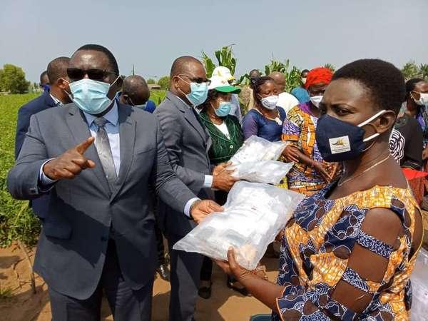 coronavirus-–-le-ministere-de-l'agriculture,-de-l'elevage-et-de-la-peche-vole-au-secours-des-maraichers