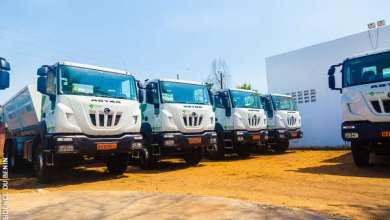 Photo of Gestion des déchets solides dans le grand Nokoué : 20 camions amplirolls et 120 caissons reçus par la SGDS-GN pour mieux assainir nos villes
