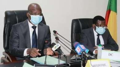 Photo of Gouvernance locale au Bénin : Rencontre du Ministre Raphaël AKOTEGNON avec les nouveaux Préfets