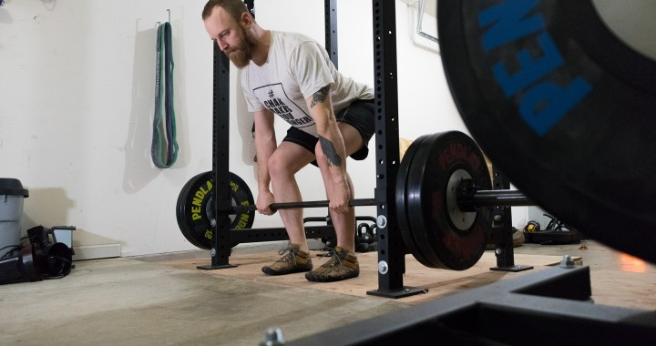 Benjamyn Smith Deadlifting