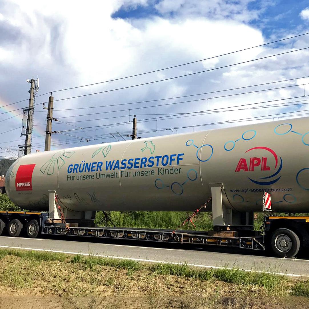 Übergoße Folierung Hydro-Tanks MPreis