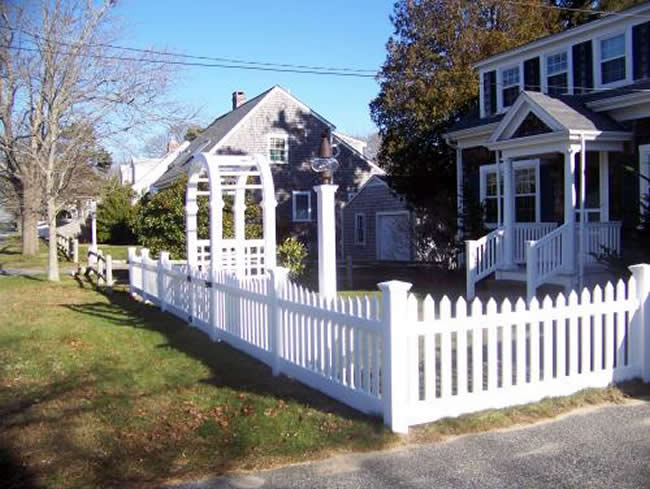 Picket Fence Curb Appeal