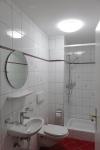 Badezimmer klein mit Dusche/WC