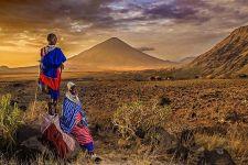AA-Benny-Rebel-Fotoreise-Tansania-Oldoinyo-Lengai-Tourismus-Maasai