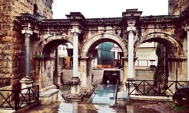 Hadrianus Kapısı Antalya