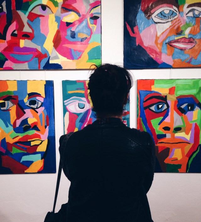 zihinsel-engelliler-cagdas-sanatla-bulusuyor-sergisi