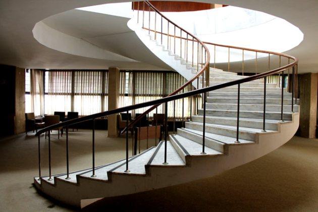 arkeoloji-muzesi-merdiven