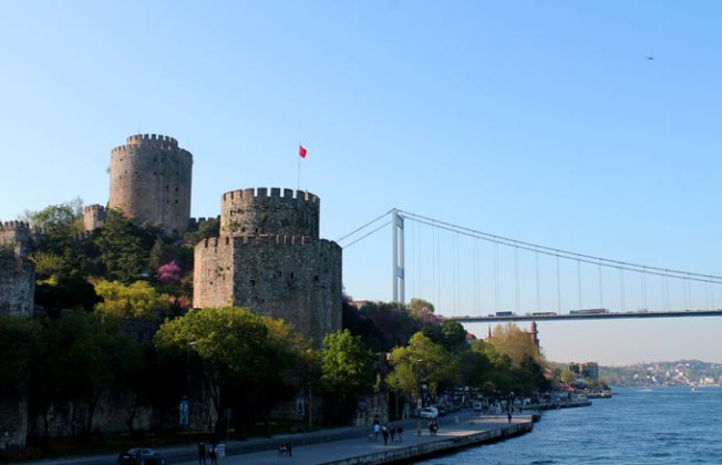 Rumeli Hisarı ve Fatih Sultan Mehmet Köprüsü