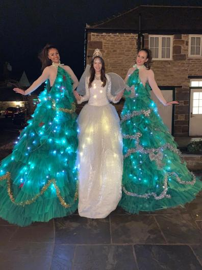 Walkabout entertainers for Christmas lights switch on
