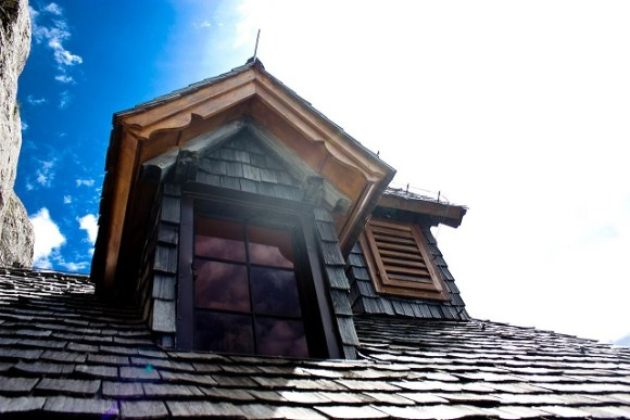 Oakland Roofing Contractor Tips for Preventing Sun Damage
