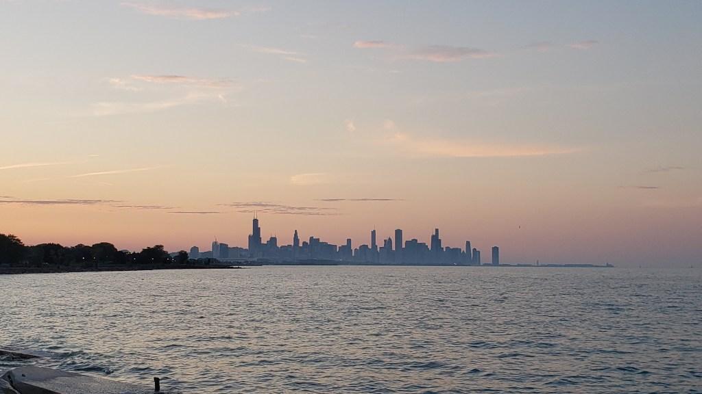 Sunset over the Chicago city skyline
