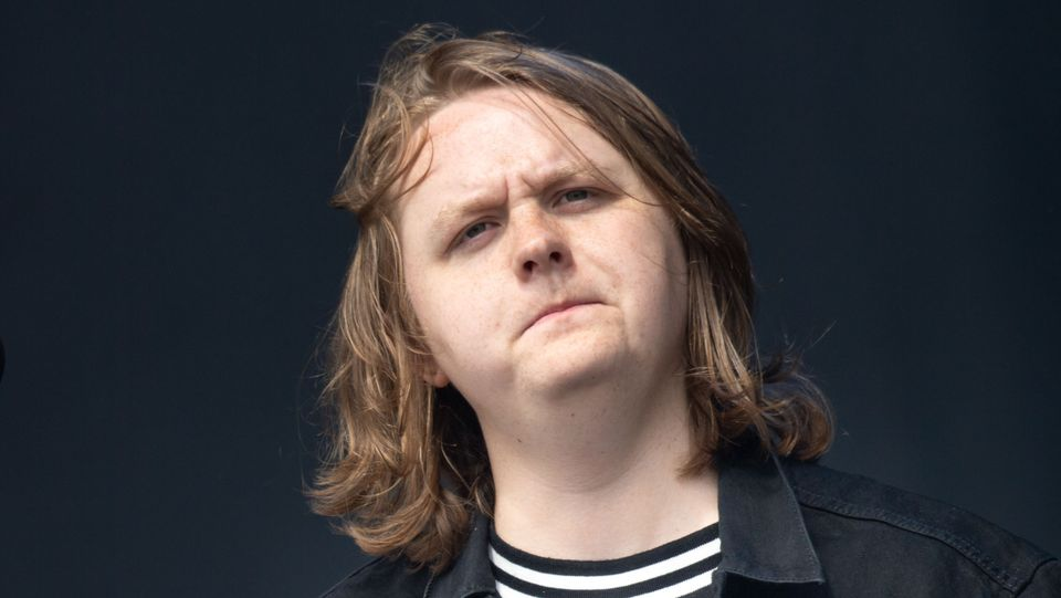 lewiscapaldi_someoneyouloved1