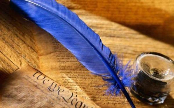 У середині квітня побачила світ нова збірка віршів бердичівського поета Валерія Хмелівського