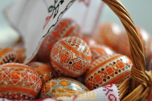 Підприємці Бердичева вітають містян з Пасхальними святами!