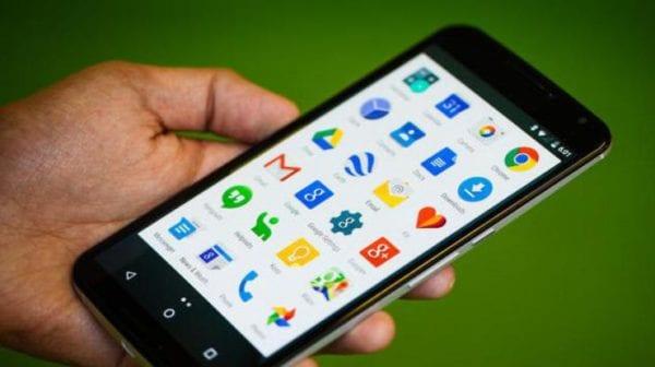 В Бердичеве телефон «Lenovo» стал яблоком раздора между двумя подругами, мирились девушки уже в суде
