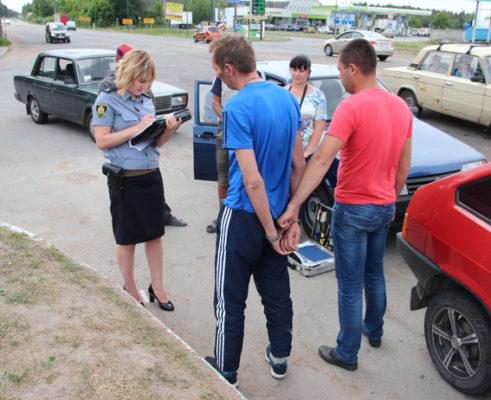 """Під Житомиром поліцейські затримали бердичівських """"гастролерів"""""""