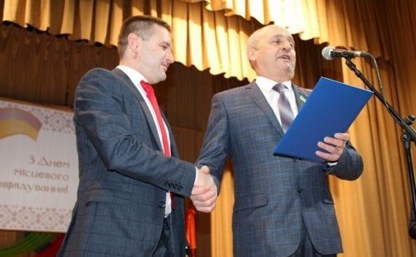 У День місцевого самоврядування депутат облради Ілля Смичок отримав почесні нагороди