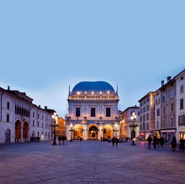 Piazza della Loggia a Brescia