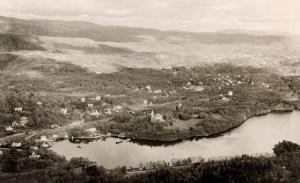Fjøsangerbukten med Gamlehaugen før utbyggingen av Fritz C. Riebers vei.