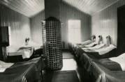 Felles sovesal ved Møllendal asyl. Fotograf og år er ukjent.