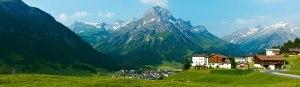 Panorama der Bergbühne Spitzenegg - im Herzen der Lecher Wanderwelt