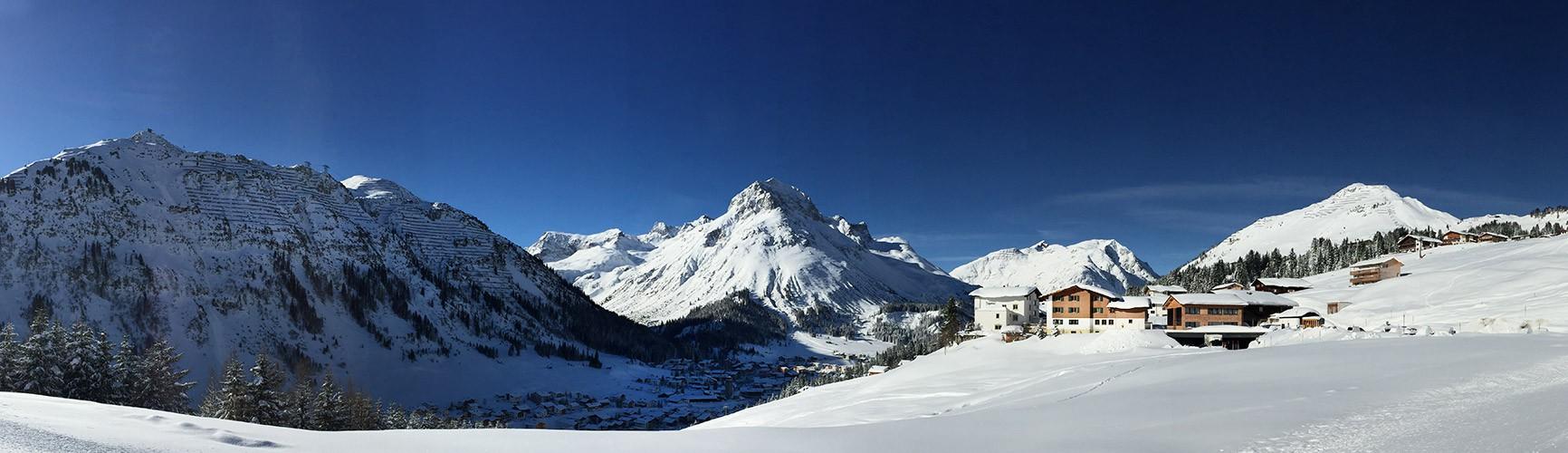 Urlaub mit Aussicht | Bergland Appartements in Lech am Arlberg | Skiurlaub auf 1600m direkt an der Skipiste und an Winterwanderwegen