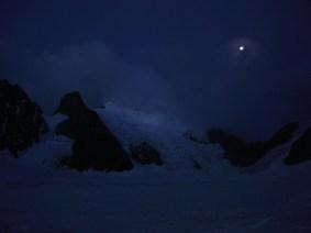 Der steile Gletscher am Morgen