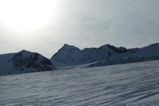Durch eine Unendlichkeit aus Schnee, Eis und Fels!