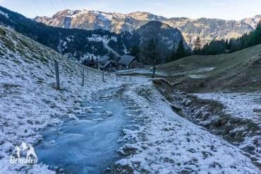 Wandern im Winter Winterwandern Eisfläche