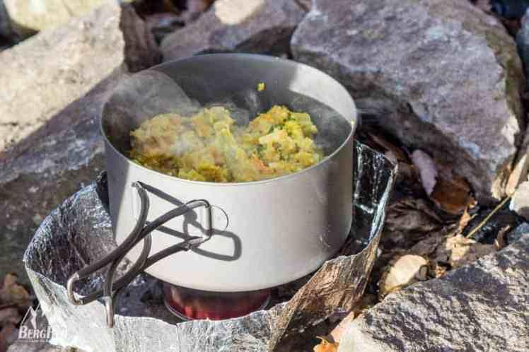 Campinggeschirr-Test-Titan-Topf-Vargo-5559