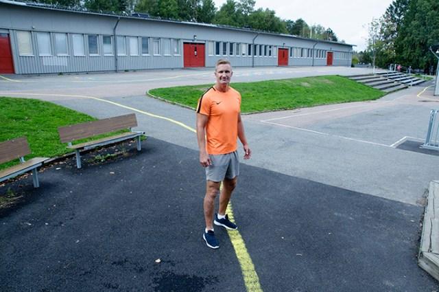 Jonas Almén är idrottslärare på Solbackeskolan i Bergsjön.