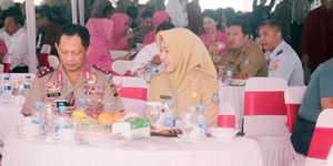 Kapolda Metro Jaya Irjen Tito Karnavian didampingi Walikota Tangsel Hj. Airin Rachmi Diany