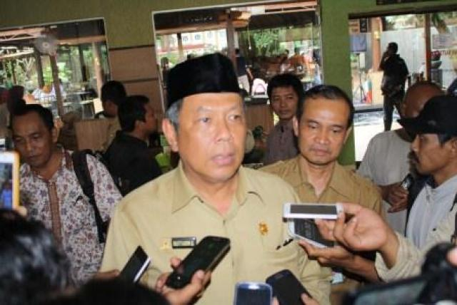 Wakil Walikota Tangsel didampingi Kadis Koperasi Tangsel