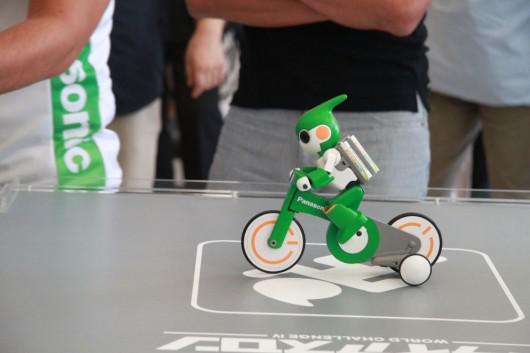 Panasonic kini tengah menyiapkan robot yang mampu mengikuti lomba triathlon Evolta, Robot dari Panasonic Paling Bugar bisa Olahraga Triathlon