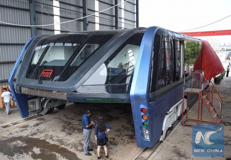 Bus 'melayang' dari Cina