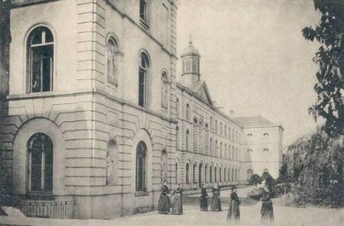Berlaymont_Bxl_arriere_1902