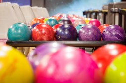 Strike Lanes Bowlingbahn im Alexa in Mitte