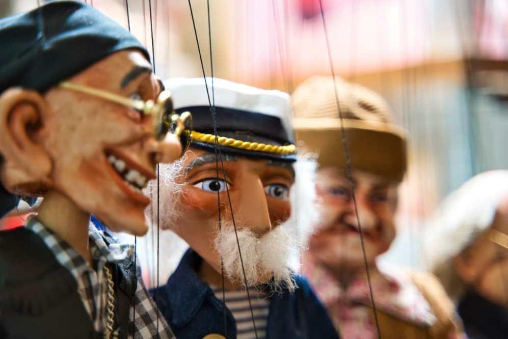 Die Puppenfee – Märchenerzählerin und Puppenspielerin für Kinder und Erwachsene