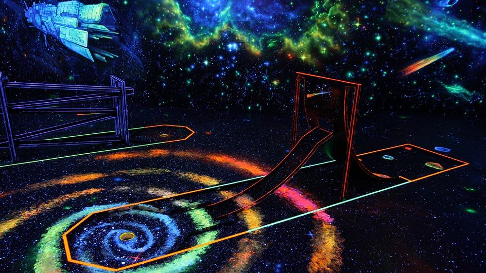 Bild Schwarzlicht Minigolf Tegel