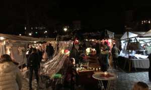 Weihnachsmarkt Advent-Künstlerstation Bahnhof Mexikoplatz 2019