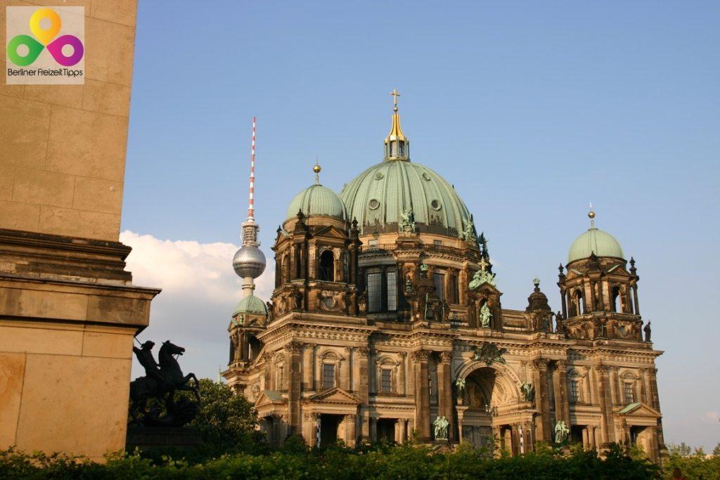 Bild Berliner Dom Fernsehturm