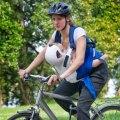 Babyprotector IGI: Designstudentin will Fahrradfahren für Babys sicherer machen