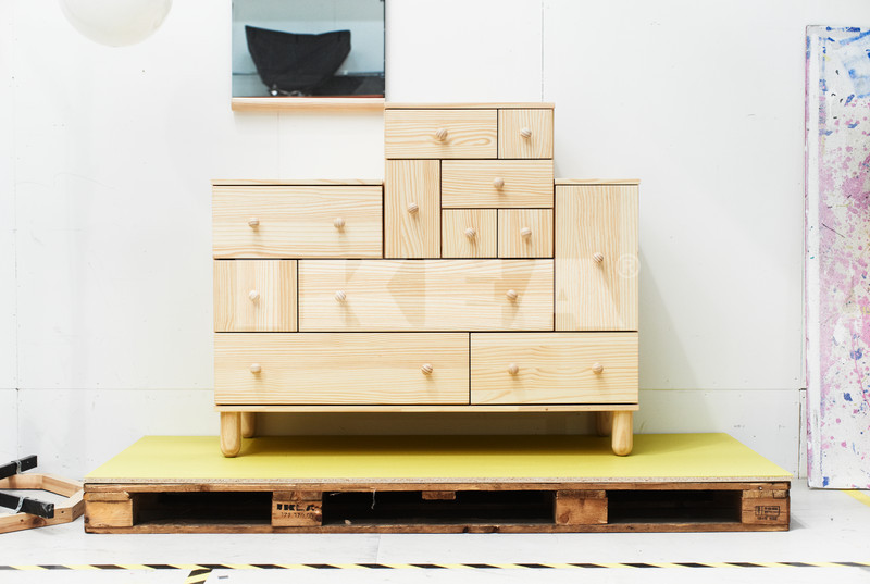 swedish design weekend part i die neue ikea ps design kollektion kommt am 2 mai 2012 heraus. Black Bedroom Furniture Sets. Home Design Ideas