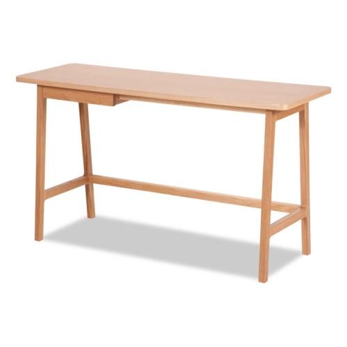 Schreibtisch Andersen aus Eichenholz von Studio Copenhagen, Foto mit freundlicher Genehmigung von www.fashionforhome.de