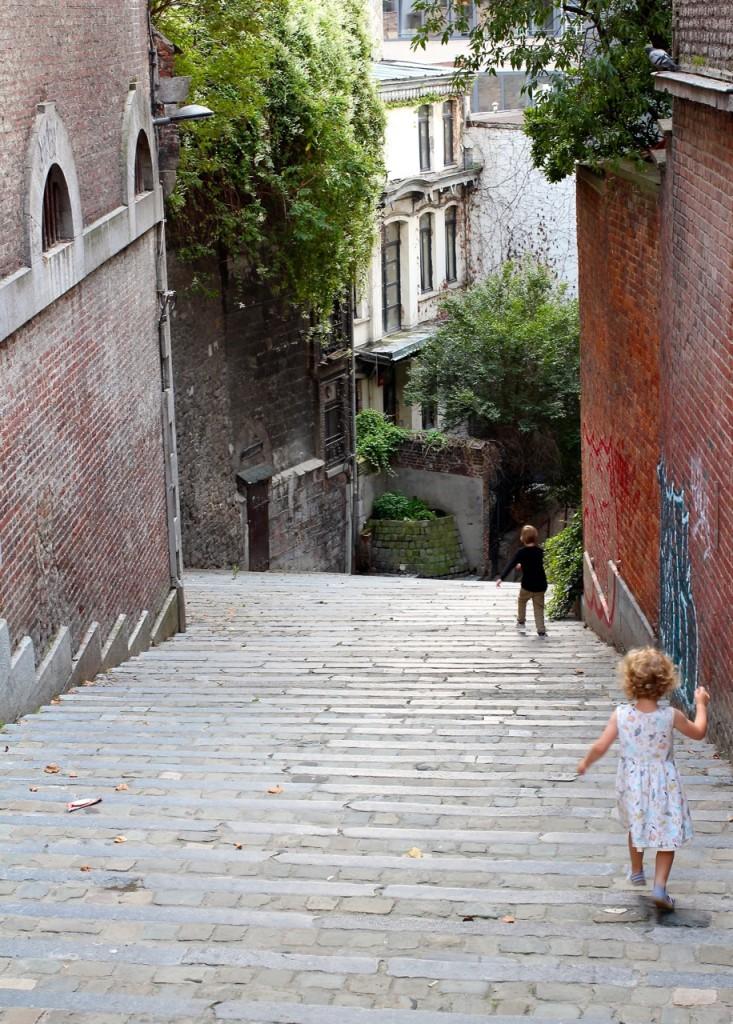 Mit Kindern in Lüttich heißt auch, einfach mal abzubiegen, weil der Weg so toll ist