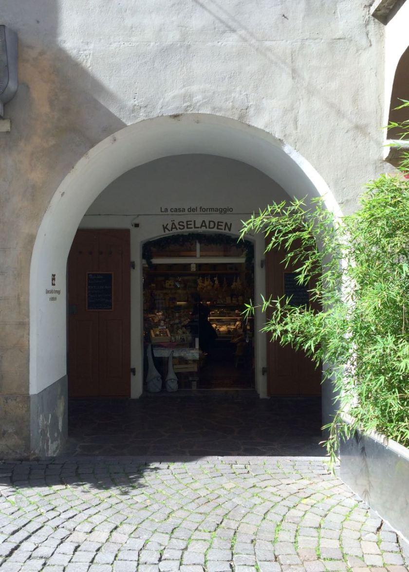 Unbedingtes Muss in Brixen sind die alten Laubengänge mit den kleinen Läden